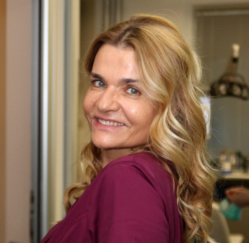 Dr Biljana Reba je osnivač Specijalističke stomatološke ordinacije Orto4u